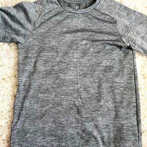 2/$15 Uniqlo heat tech shirt 9/10